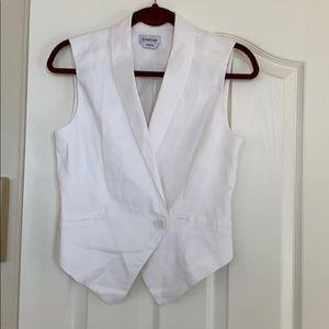 White Bebe vest w/side pockets size 6 linen blend
